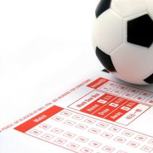 Pariuri care cresc sansele de castig pe biletul zilei din fotbal
